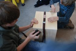 workshop cajon selber bauen und spielen tonicum die musikschule in leipzig. Black Bedroom Furniture Sets. Home Design Ideas